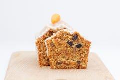 Очень вкусный торт плодоовощ с смешанными плодоовощ и гайками Стоковые Изображения RF