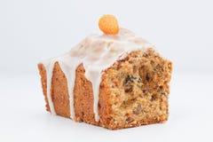 Очень вкусный торт плодоовощ с смешанными плодоовощ и гайками Стоковое Изображение RF