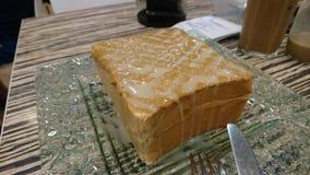 Очень вкусный тост отбензинивания сконденсированного молока стоковая фотография rf