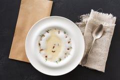 Очень вкусный cream суп с взгляд сверху грибка меда Стоковое Изображение