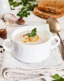 Очень вкусный cream суп с champignons грибов Стоковые Фотографии RF