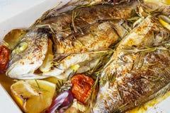 2 очень вкусных всех испеченных рыбы Стоковые Изображения