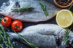 2 очень вкусных всех испеченных рыбы Стоковое фото RF