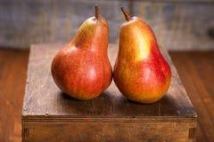 2 очень вкусных груши Стоковые Изображения