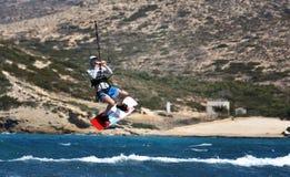 Очень высокий прыжок на море Стоковое Изображение RF