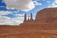 Очень известные и уникально 3 Buttes сестер в памятнике Vall Стоковое Изображение
