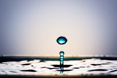Очень красивые падения воды Оно чувствует спокойный и холодный Стоковые Изображения RF