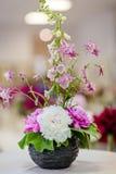 Очень красивые розовые пионы сделанные в букете Стоковые Изображения RF