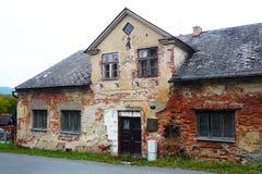 Очень разрушанный дом Стоковая Фотография RF