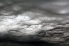Очень сердитый завихряться облаков шторма Стоковое фото RF