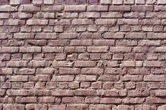 Очень старая текстурированная кирпичная стена шелушения Стоковая Фотография