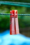 2 очень старое и используемые зажимки для белья на веревочке Стоковые Фотографии RF