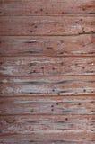 Очень старые планки с ржавыми ногтями и слезать красную краску Стоковое фото RF