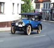 Очень старый американский автомобиль, Кадиллак Стоковые Фотографии RF