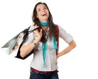 Очень счастливая и смеясь над женщина вне ходя по магазинам Стоковые Фото