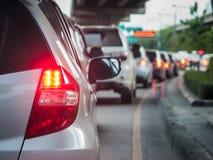 Очередь автомобиля в плохой дороге движения Стоковое фото RF