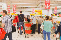 Очередь на супермаркете Стоковое фото RF