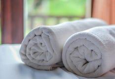 Очистите белый крен полотенца Стоковое Изображение