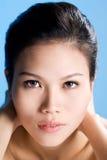 очистьте детенышей женщины стороны свежих стоковая фотография rf