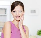 очистьте женщину кожи стороны свежую стоковое изображение rf