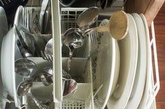очистьте судомойку тарелок стоковые изображения rf