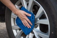 Очищать автомобиль колеса Стоковое Изображение RF