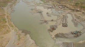 Очищать и углублять onriver земснаряда Java, Индонесия стоковые изображения rf
