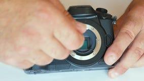 Очищать матрицу камеры пыль на матрице грязь на датчике чистка датчика фоточувствительная матрица видеоматериал