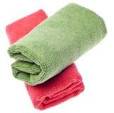 очищая зеленые полотенца пинка microfiber Стоковая Фотография