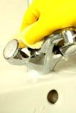 Очищая кран b Стоковые Фотографии RF
