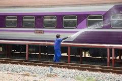 Очищая поезд трассы Бангкока и Chiangmai Стоковые Фото