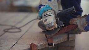 Очищая старая труба от машины абразива ржавчины акции видеоматериалы
