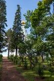 Очищенность и заказ в территории монастыря St Nicholas аранжированы руками монахов стоковые фотографии rf