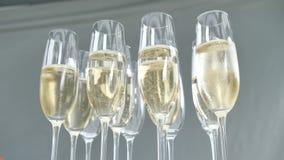 Очки шампанского prosecco для гостей ресторана на свадебной или праздничнРвидеоматериал