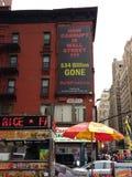 Очковтирательство, коррупция Уолл-Стрита, NYC, NY, США стоковые фото