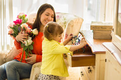 дочь ее маленькая мать Стоковая Фотография
