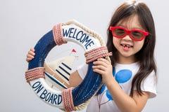 Оягнитесь на предпосылке/ребенк летних каникулов на летних каникулах Conce Стоковая Фотография RF