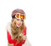 Оягнитесь девушка с стеклами зимы снежка и белой шерстью Стоковое Изображение