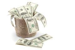 100 долларовых банкнот в мешке холста. Стоковое Изображение