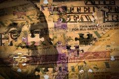 100 долларовых банкнот и казначейство США сберегательная облигация Стоковые Изображения