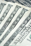 100 долларовых банкнот на деревянном Стоковые Фото