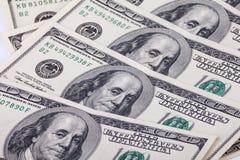 100 долларовых банкнот для предпосылки Стоковая Фотография