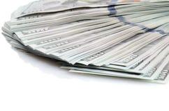 100 долларов бумажных денег изолированных на белизне Стоковые Изображения