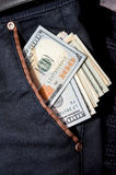100 долларов в карманн Стоковая Фотография