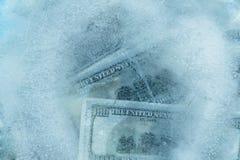 100 долларов замерли melt, который Стоковые Изображения