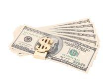 100 долларов кредиток в зажиме денег Стоковые Фотографии RF