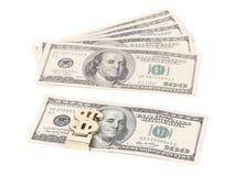 100 долларов кредиток в зажиме денег Стоковая Фотография RF