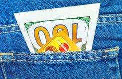 100 долларов счета и кредитной карточки Mastercard Стоковое Изображение RF