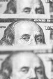 100 долларов счетов стоя в ряд Стоковые Изображения