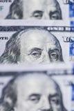 100 долларов счетов стоя в ряд Стоковые Фотографии RF